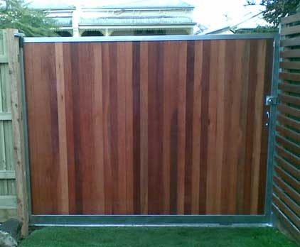 Rich timber look on a sliding gate