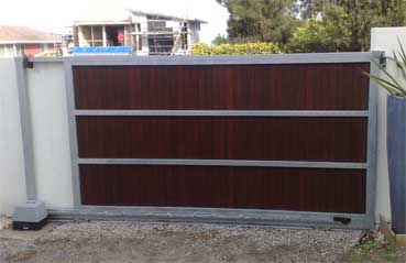 DIY Steel gate frame with timber