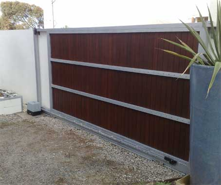 Diy sliding gate frame sliding gate kits sliding gate on a gravel driveway diy solutioingenieria Gallery