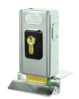 Swing gate electrical lock
